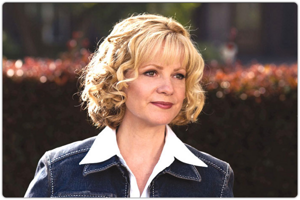 Bonnie Hunt as Kate Baker in the 2003 film 'Cheaper By The Dozen'.
