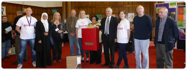 Plusnet volunteers with Jennifer Ellison at the Get online 2012 event in Sheffield
