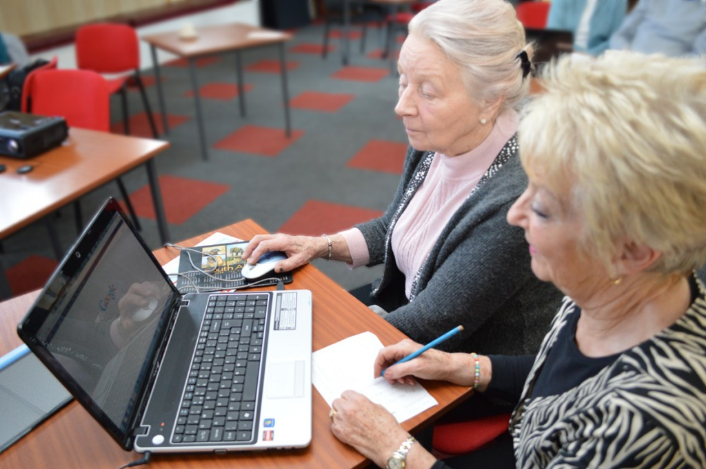 Mavis Hall enjoys a lesson on the world wide web at Lester Road Community Centre