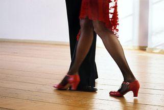 tango-1185444-638x427.jpg