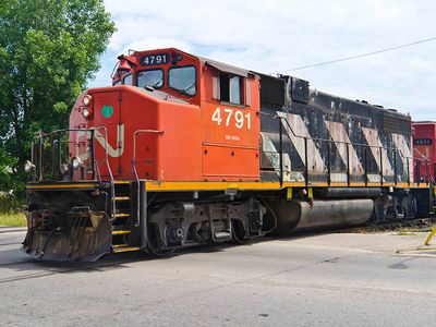 Canadian-National-Railway-4791-diesel-locomotive-GP38-2W.jpg