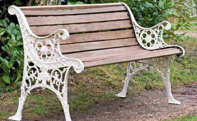 0812diy-restore-garden-bench1.jpg